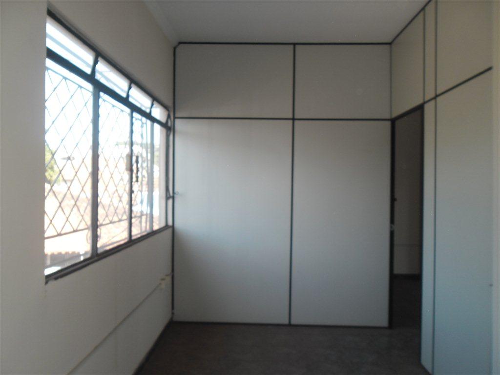 Alugar Comercial / Sala em São Carlos R$ 890,00 - Foto 4