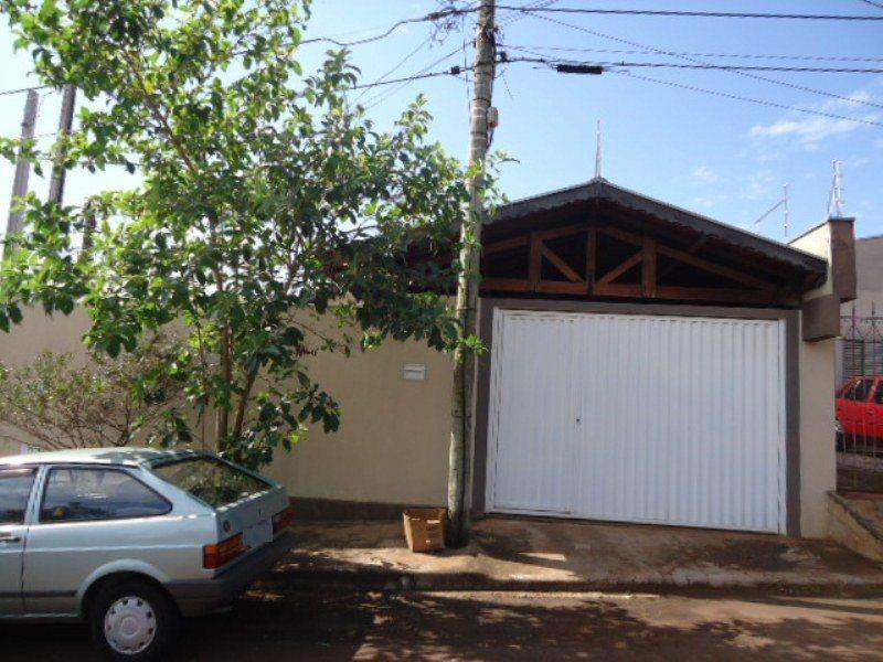Alugar Casa / Padrão em São Carlos R$ 1.667,00 - Foto 1