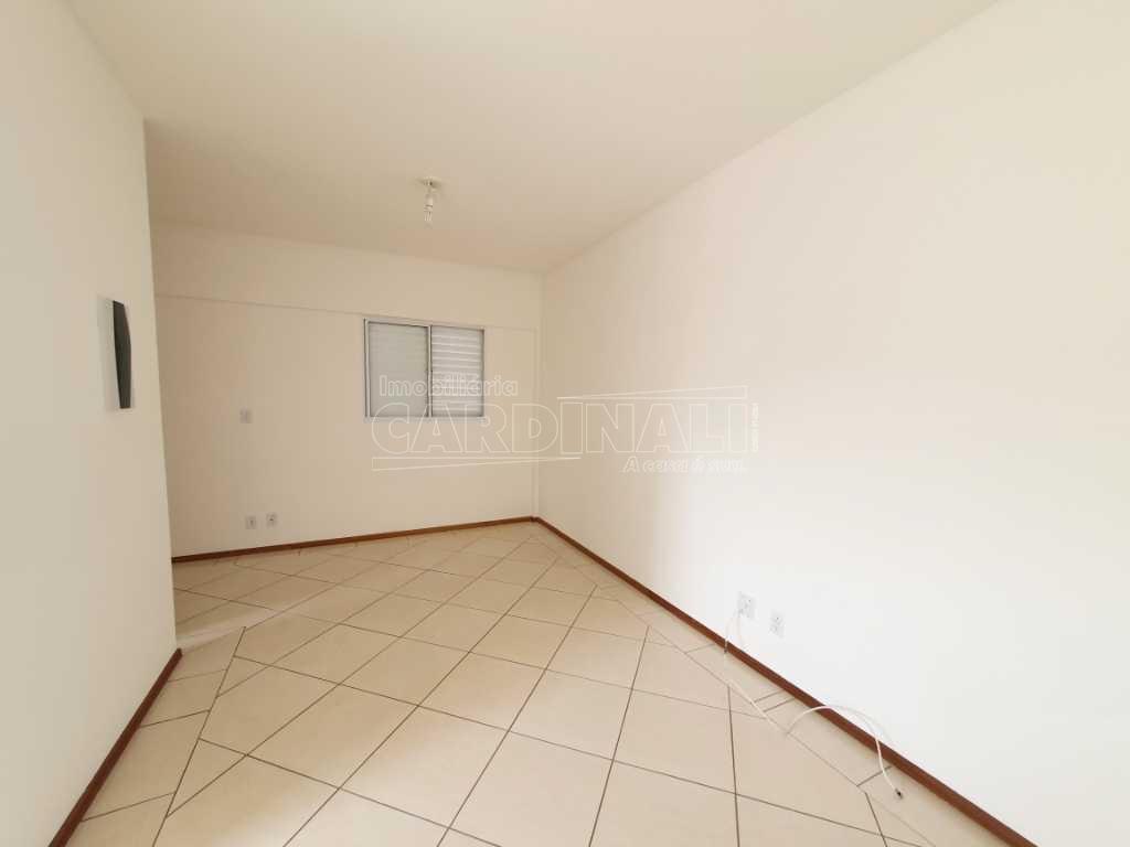 Alugar Apartamento / Padrão em São Carlos R$ 700,00 - Foto 6