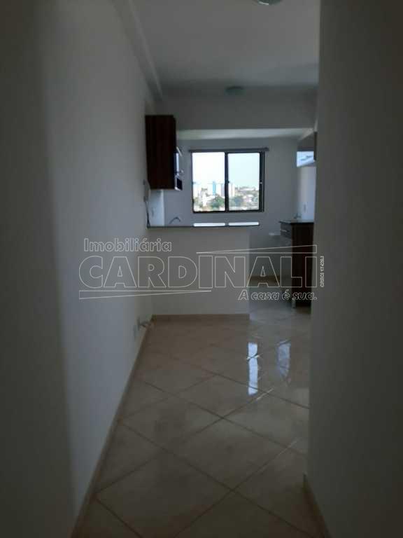 Alugar Apartamento / Padrão em São Carlos R$ 830,00 - Foto 2