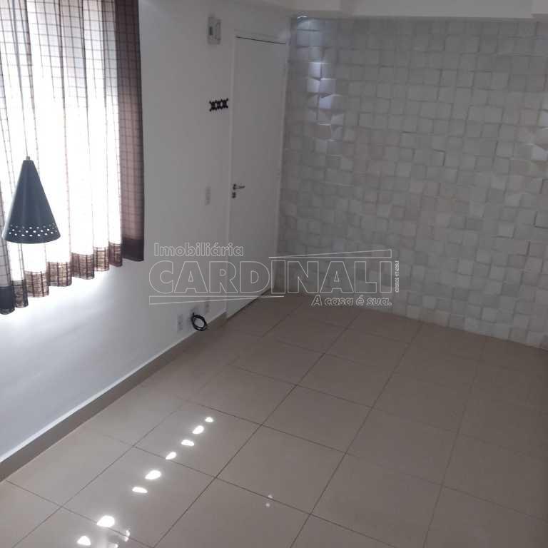 Comprar Apartamento / Padrão em São Carlos R$ 140.000,00 - Foto 2