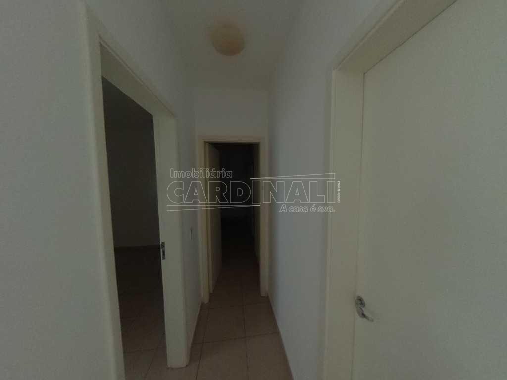 Alugar Apartamento / Padrão em São Carlos R$ 900,00 - Foto 1