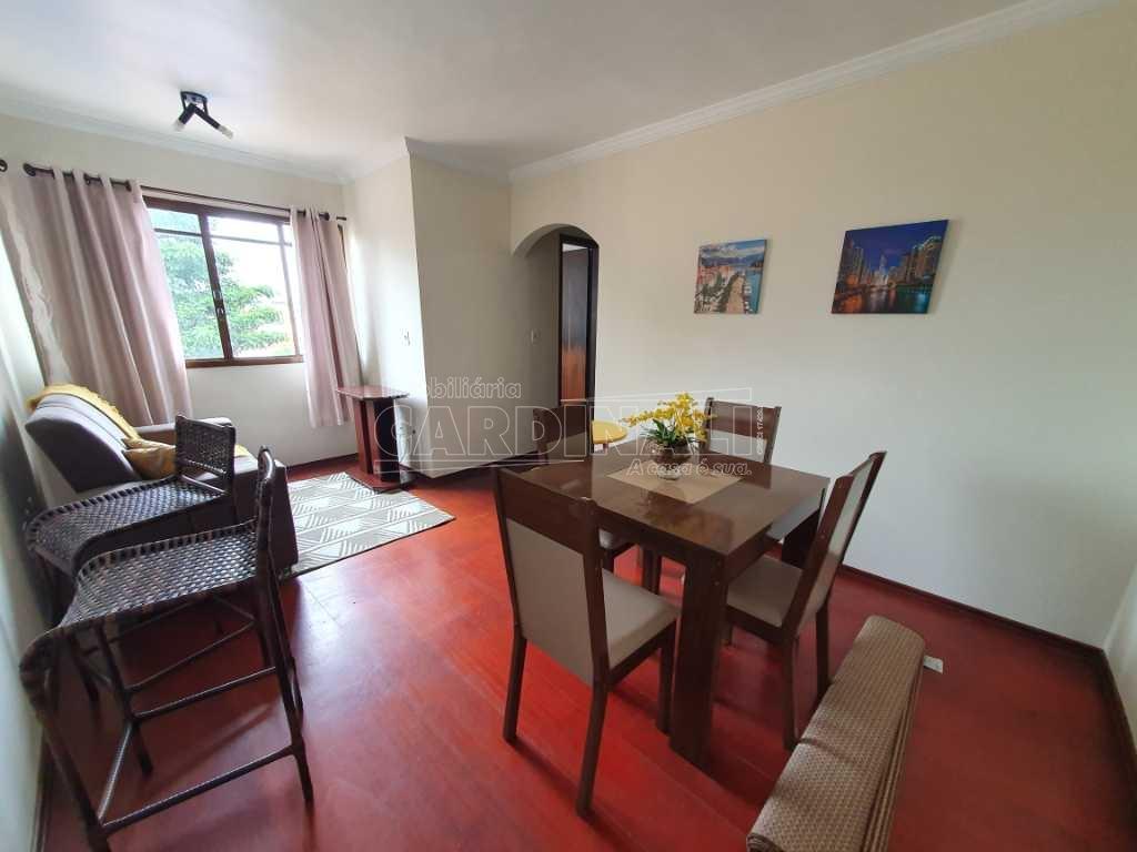 Alugar Apartamento / Padrão em São Carlos R$ 1.300,00 - Foto 1