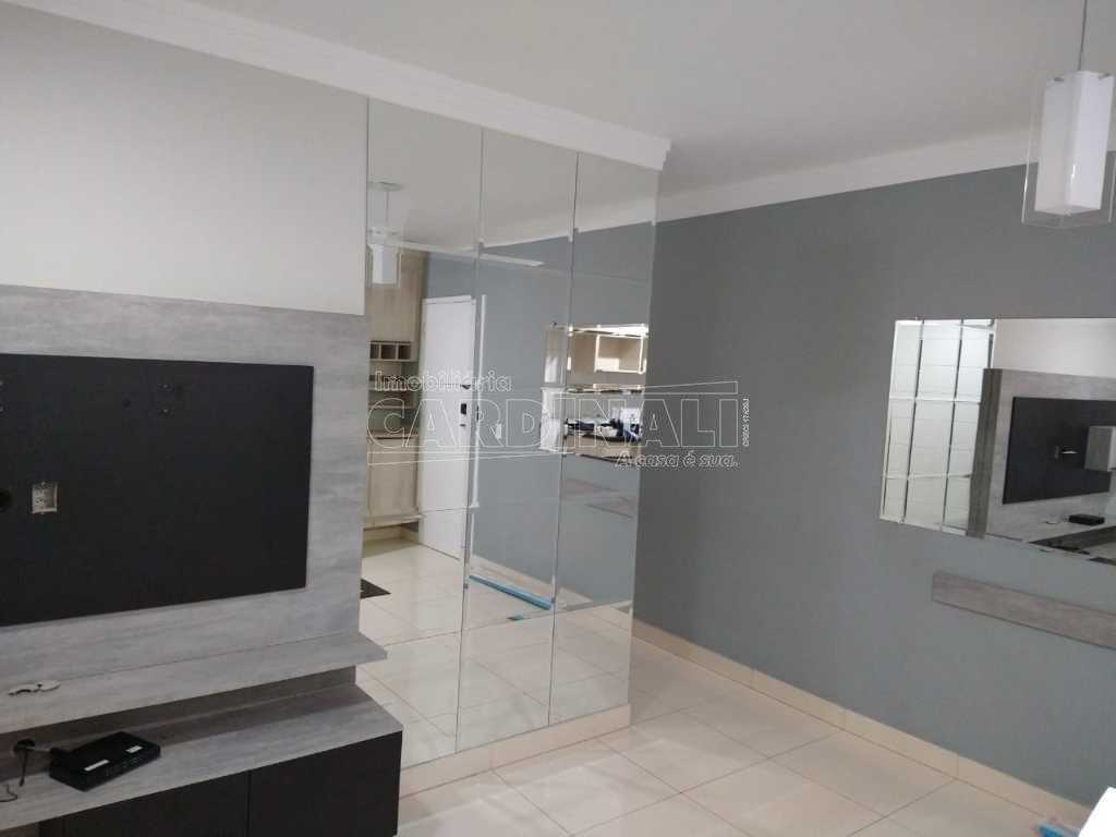 Alugar Apartamento / Padrão em São Carlos R$ 1.889,00 - Foto 1