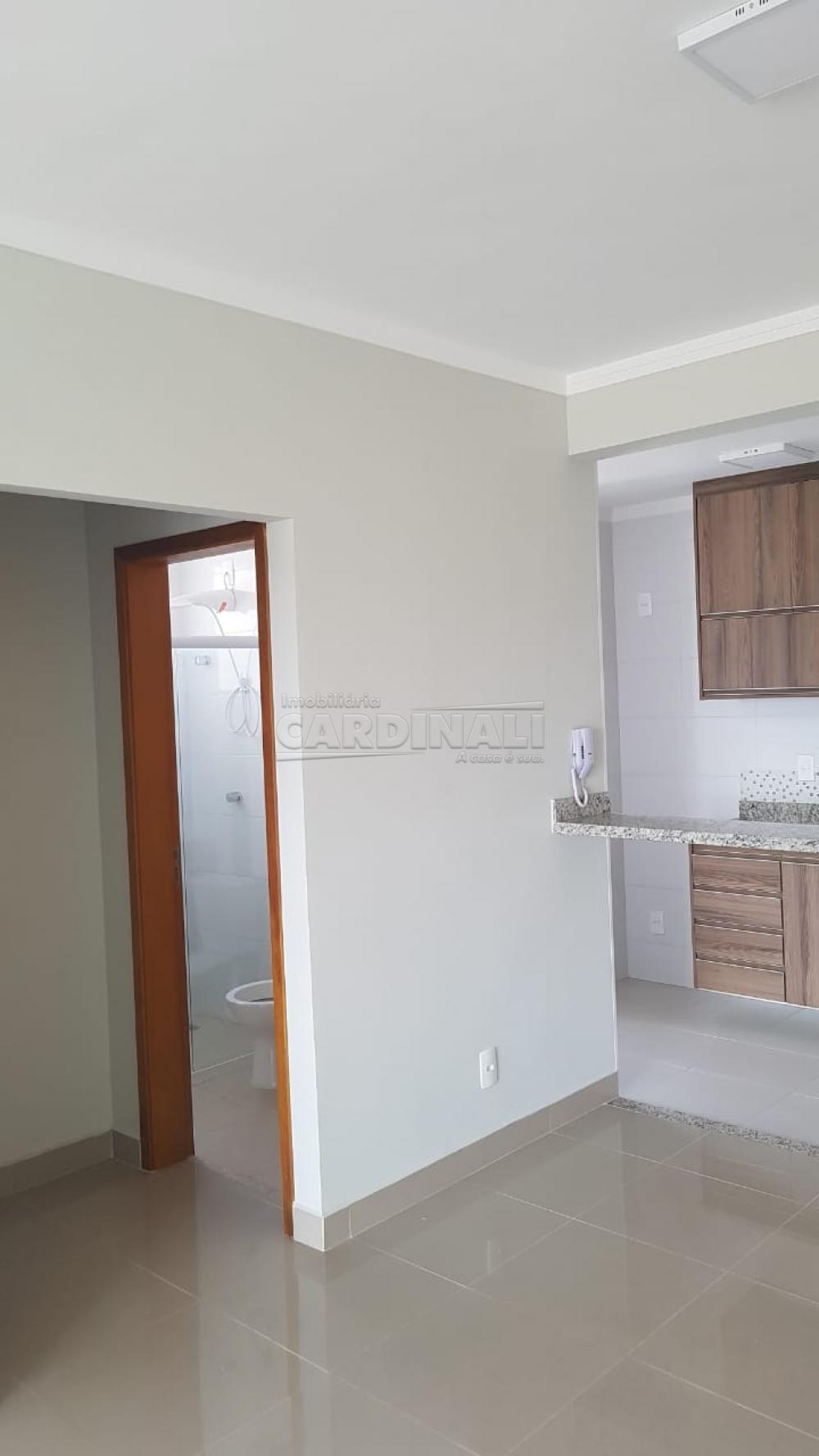 Alugar Apartamento / Padrão em São Carlos R$ 2.112,00 - Foto 11