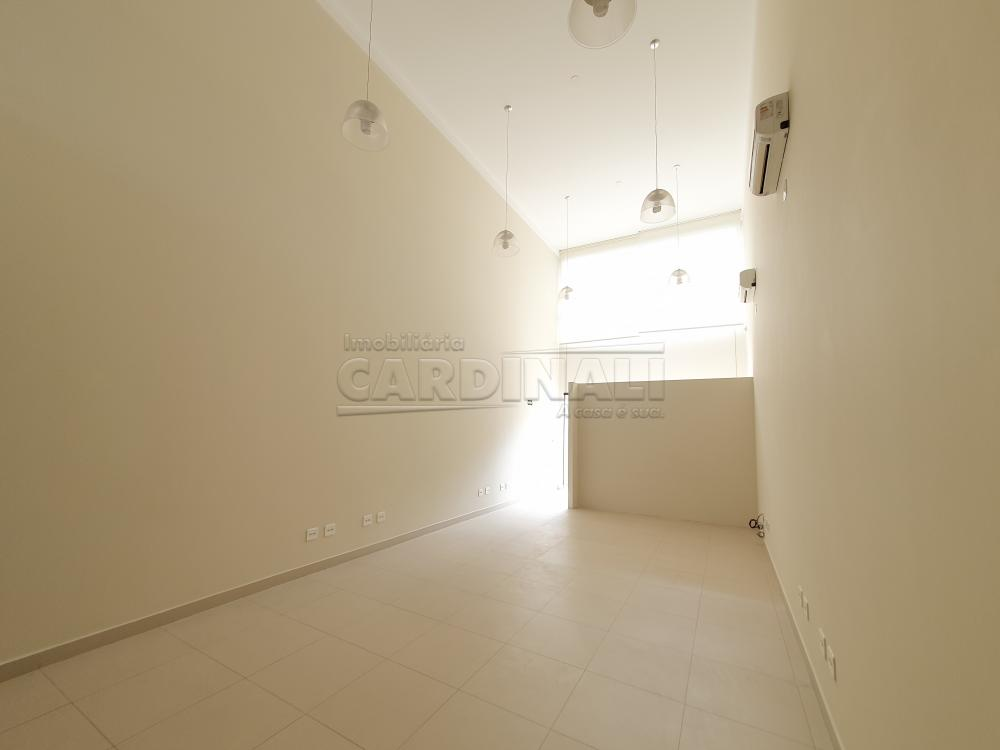 Alugar Comercial / Sala sem Condomínio em São Carlos R$ 6.900,00 - Foto 6