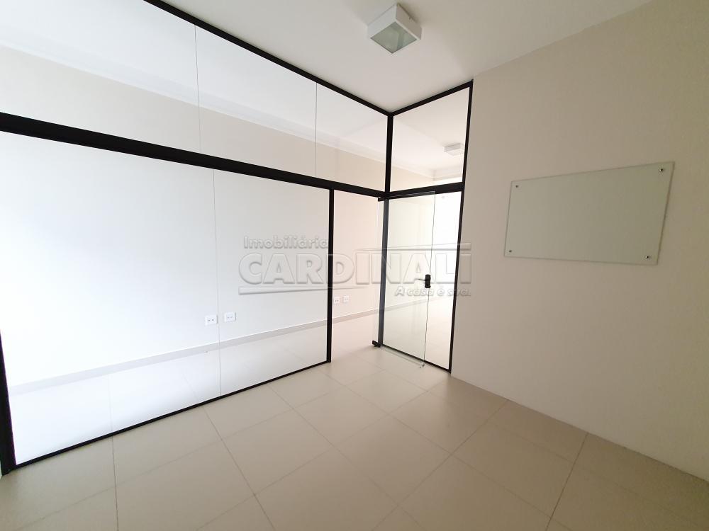 Alugar Comercial / Sala sem Condomínio em São Carlos R$ 6.900,00 - Foto 13