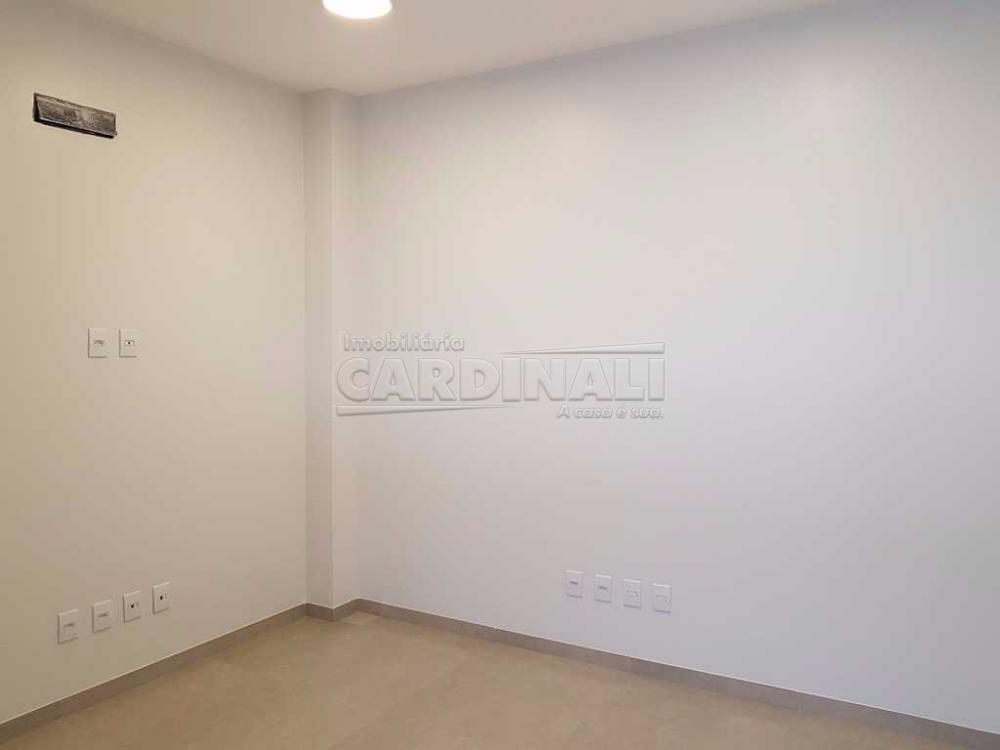 Alugar Comercial / Sala / Salão com Condomínio em São Carlos R$ 980,00 - Foto 2