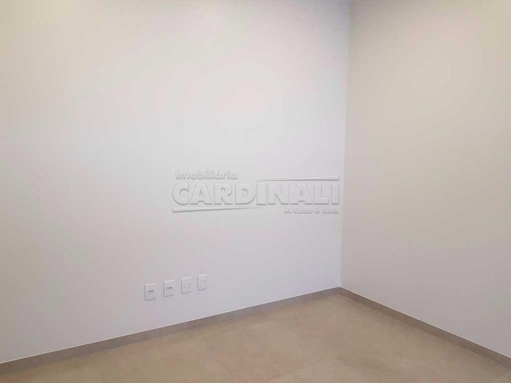 Alugar Comercial / Sala / Salão com Condomínio em São Carlos R$ 980,00 - Foto 3