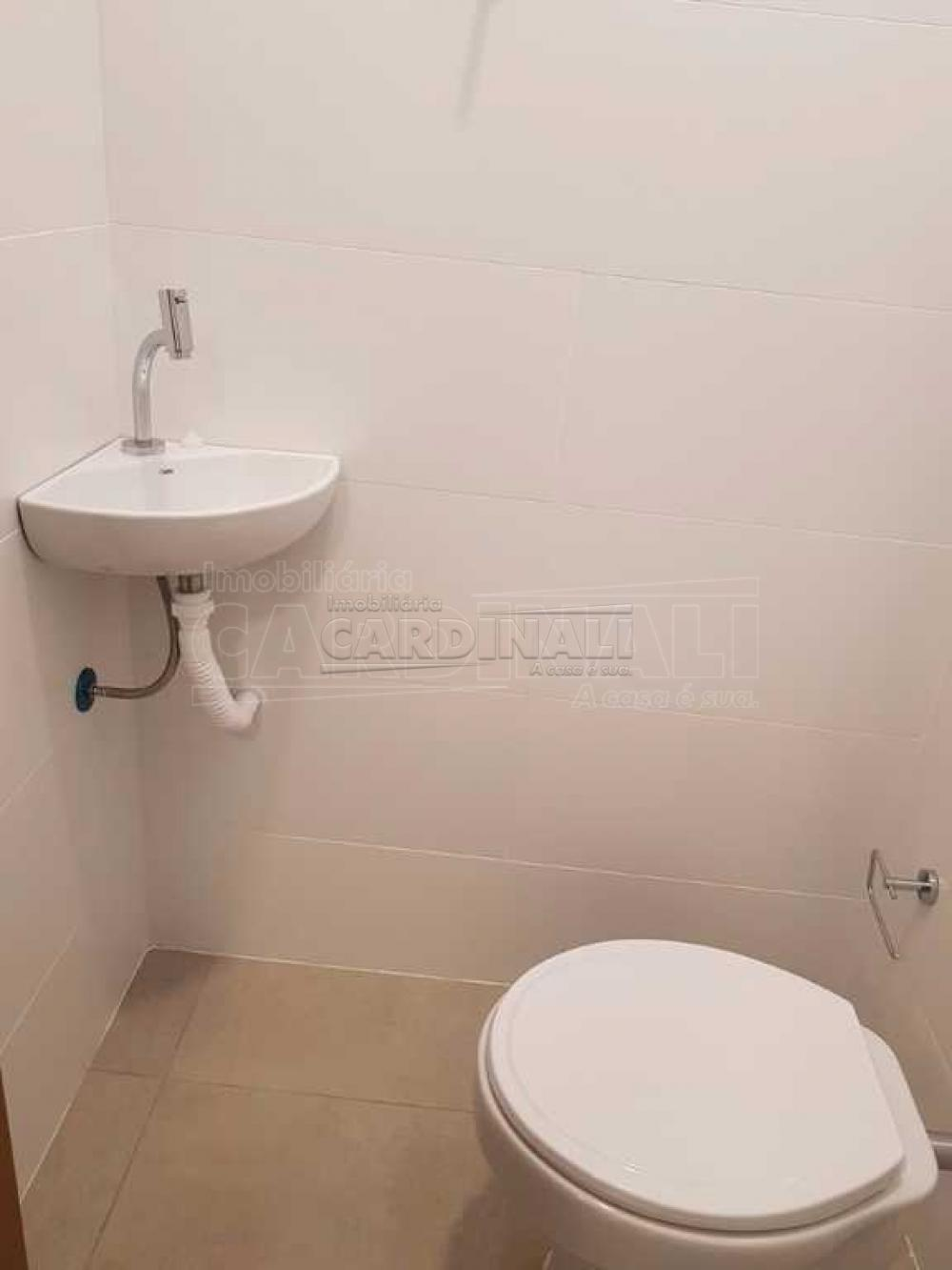 Alugar Comercial / Sala / Salão com Condomínio em São Carlos R$ 980,00 - Foto 6