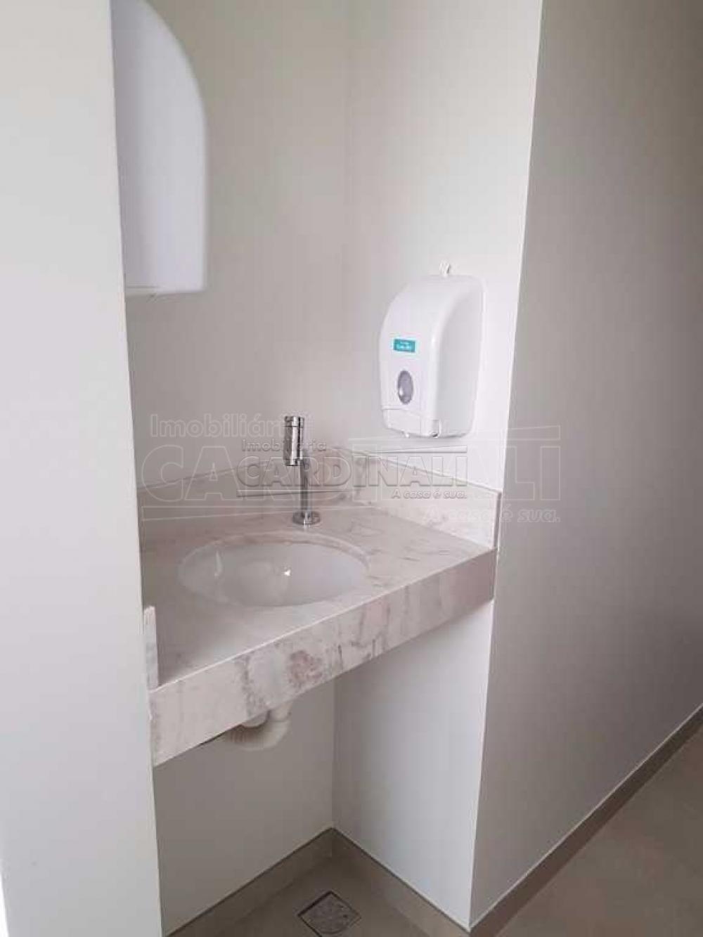 Alugar Comercial / Sala / Salão com Condomínio em São Carlos R$ 980,00 - Foto 10