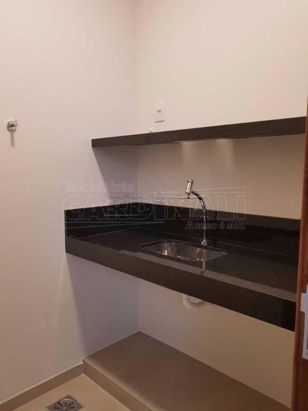 Alugar Comercial / Sala / Salão com Condomínio em São Carlos R$ 980,00 - Foto 9