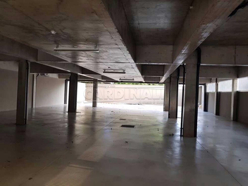 Alugar Comercial / Sala / Salão com Condomínio em São Carlos R$ 980,00 - Foto 17