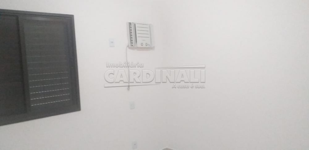 Alugar Apartamento / Padrão em Araraquara R$ 1.100,00 - Foto 4