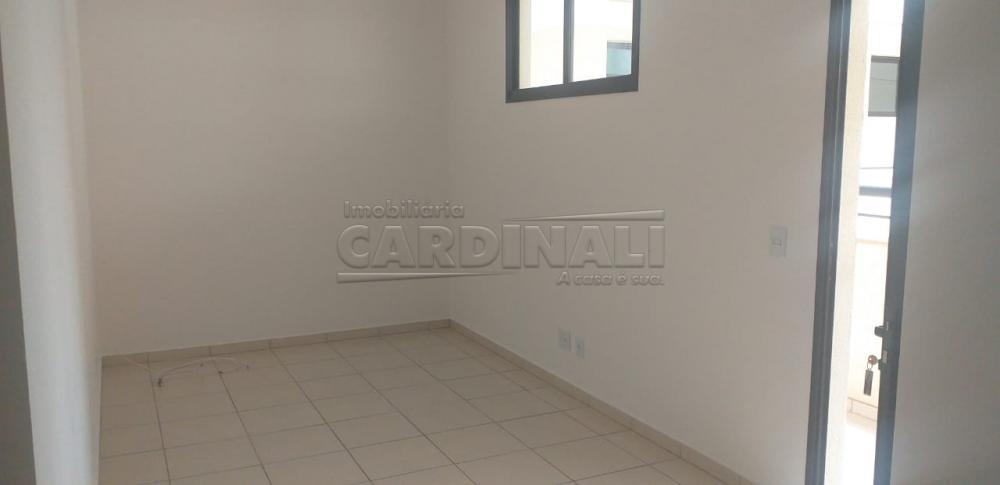 Alugar Apartamento / Padrão em Araraquara R$ 1.100,00 - Foto 3