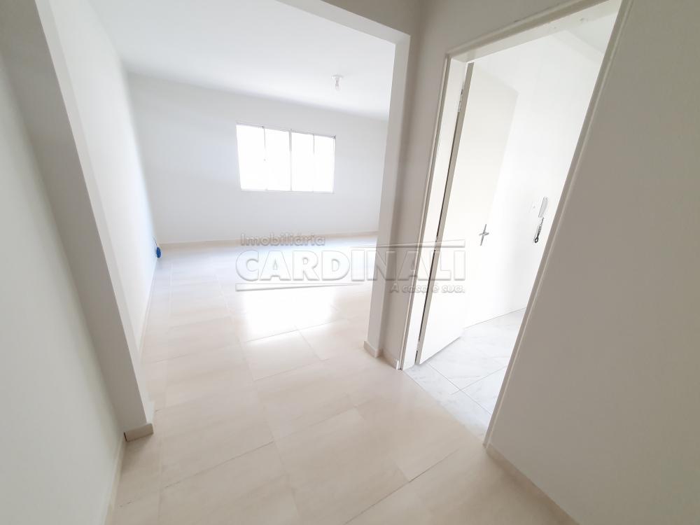 Alugar Apartamento / Padrão em São Carlos R$ 889,00 - Foto 2