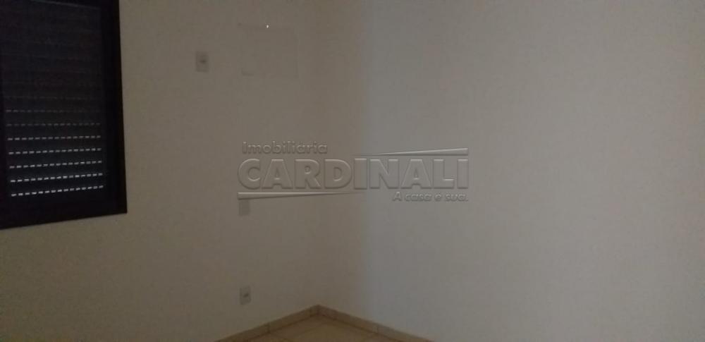 Alugar Apartamento / Padrão em Araraquara R$ 1.000,00 - Foto 4