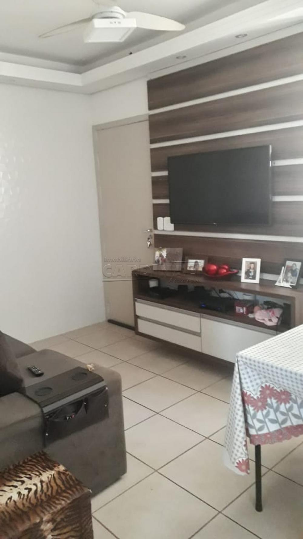 Comprar Apartamento / Padrão em Araraquara R$ 170.000,00 - Foto 1