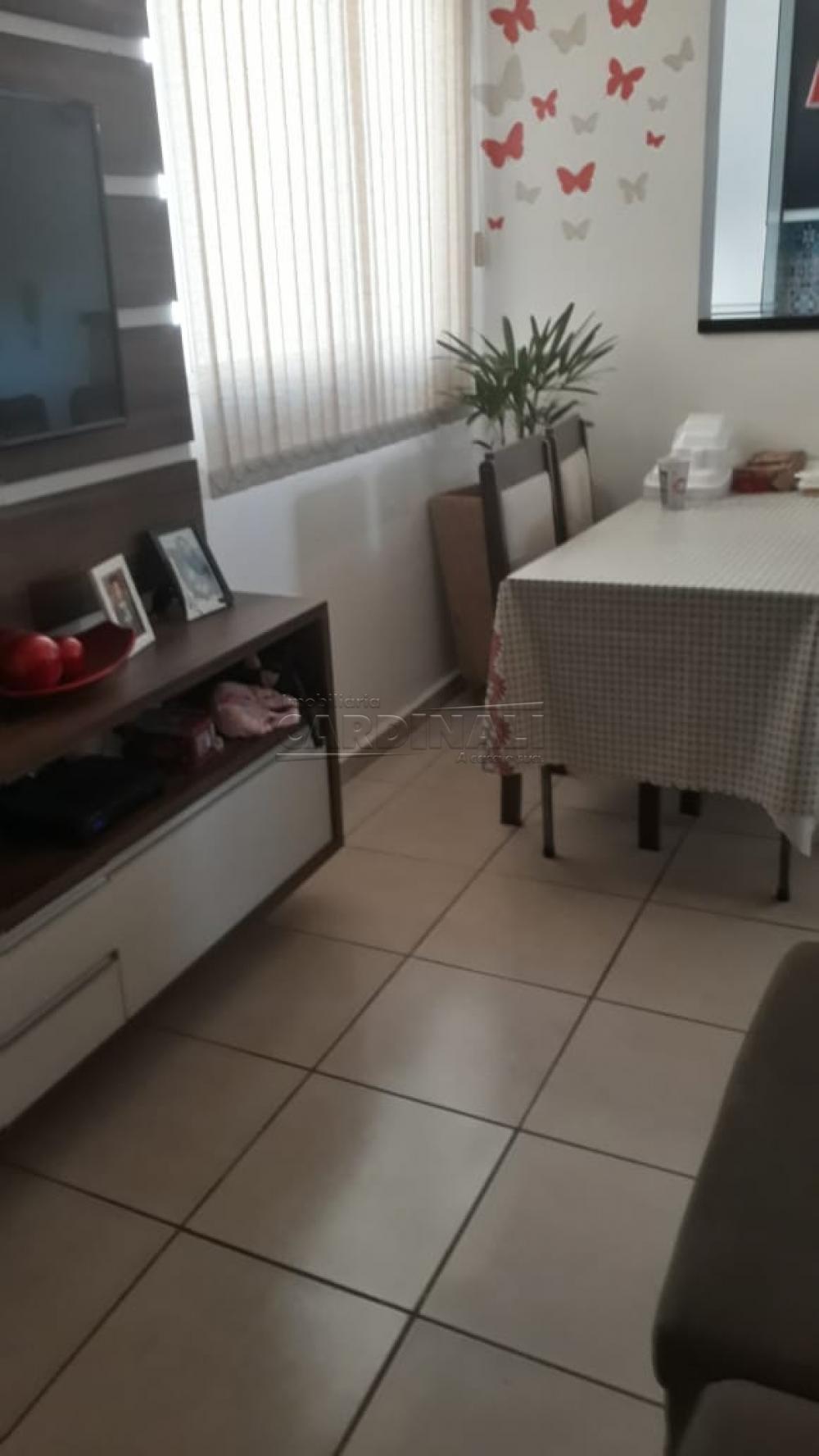Comprar Apartamento / Padrão em Araraquara R$ 170.000,00 - Foto 2