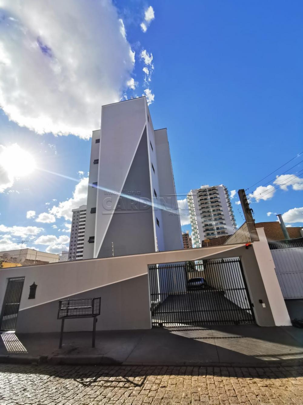 Alugar Apartamento / Padrão em Araraquara R$ 700,00 - Foto 2