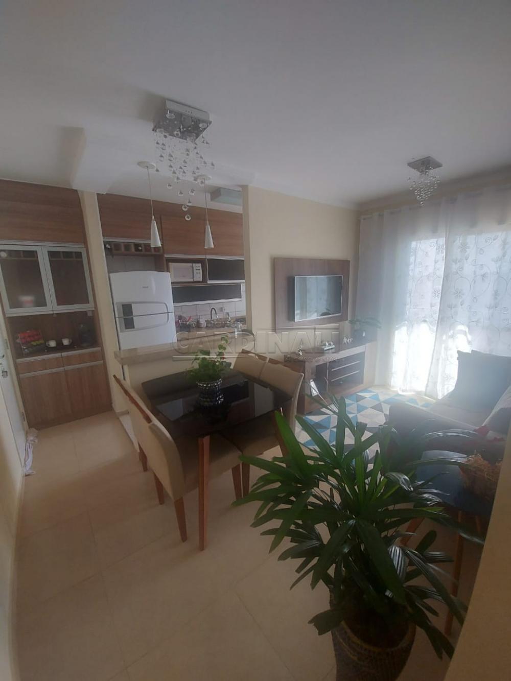 Comprar Apartamento / Padrão em São Carlos R$ 309.000,00 - Foto 2