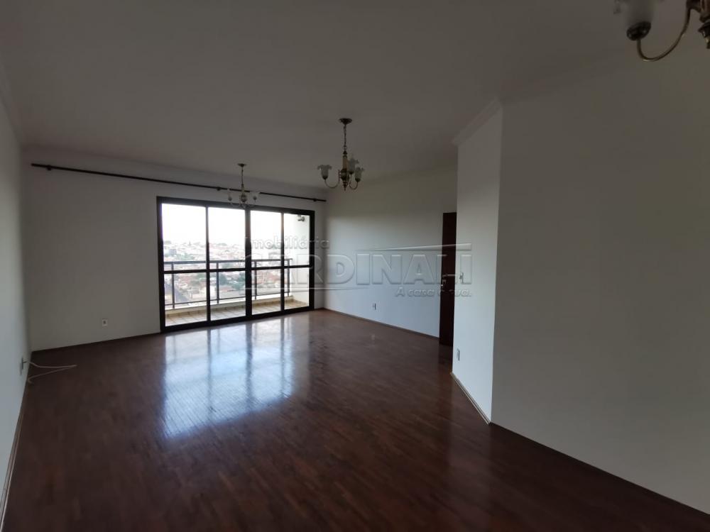 Alugar Apartamento / Padrão em Araraquara R$ 1.500,00 - Foto 1