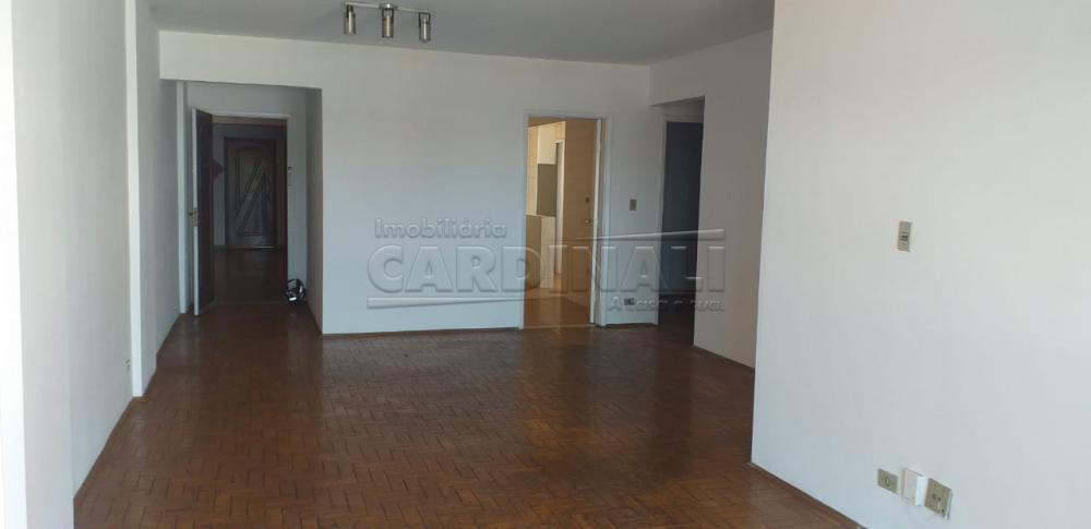 Alugar Apartamento / Padrão em Araraquara R$ 1.000,00 - Foto 2