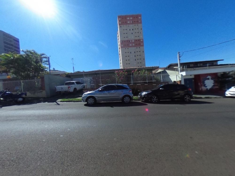 Alugar Casa / Padrão em São Carlos R$ 5.556,00 - Foto 1