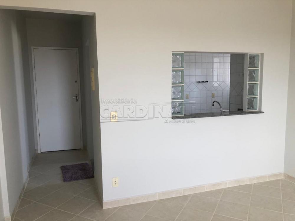 Alugar Apartamento / Padrão em São Carlos R$ 1.334,00 - Foto 7
