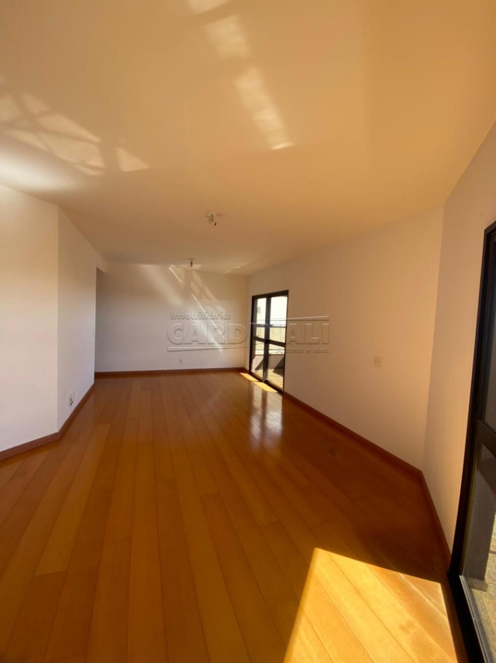 Alugar Apartamento / Padrão em São Carlos R$ 1.778,00 - Foto 2