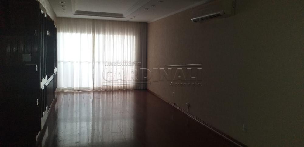 Alugar Apartamento / Padrão em Araraquara R$ 2.500,00 - Foto 1