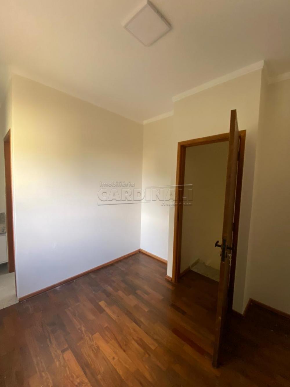 Alugar Casa / Padrão em São Carlos R$ 834,00 - Foto 1