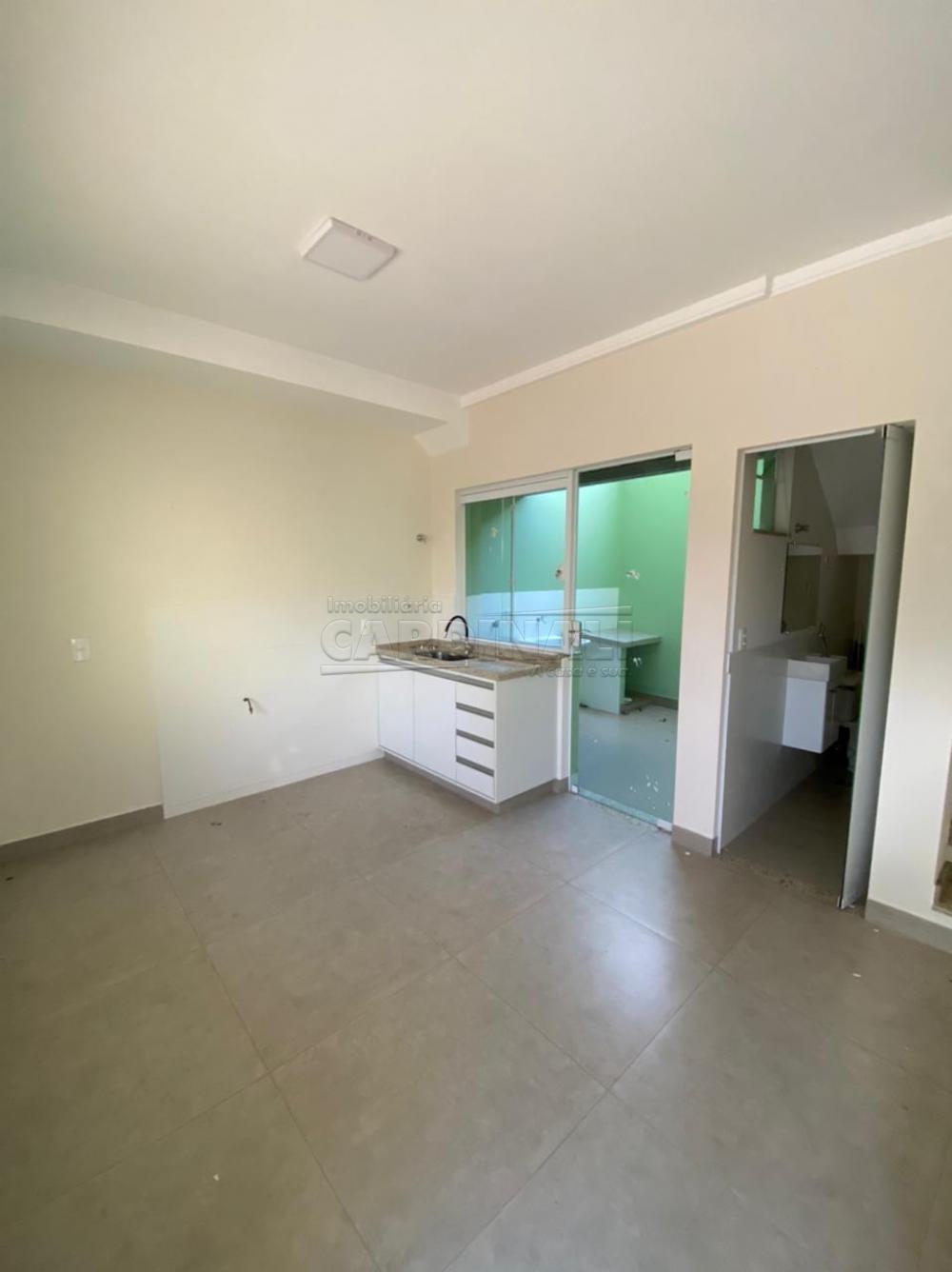 Alugar Casa / Padrão em São Carlos R$ 834,00 - Foto 4