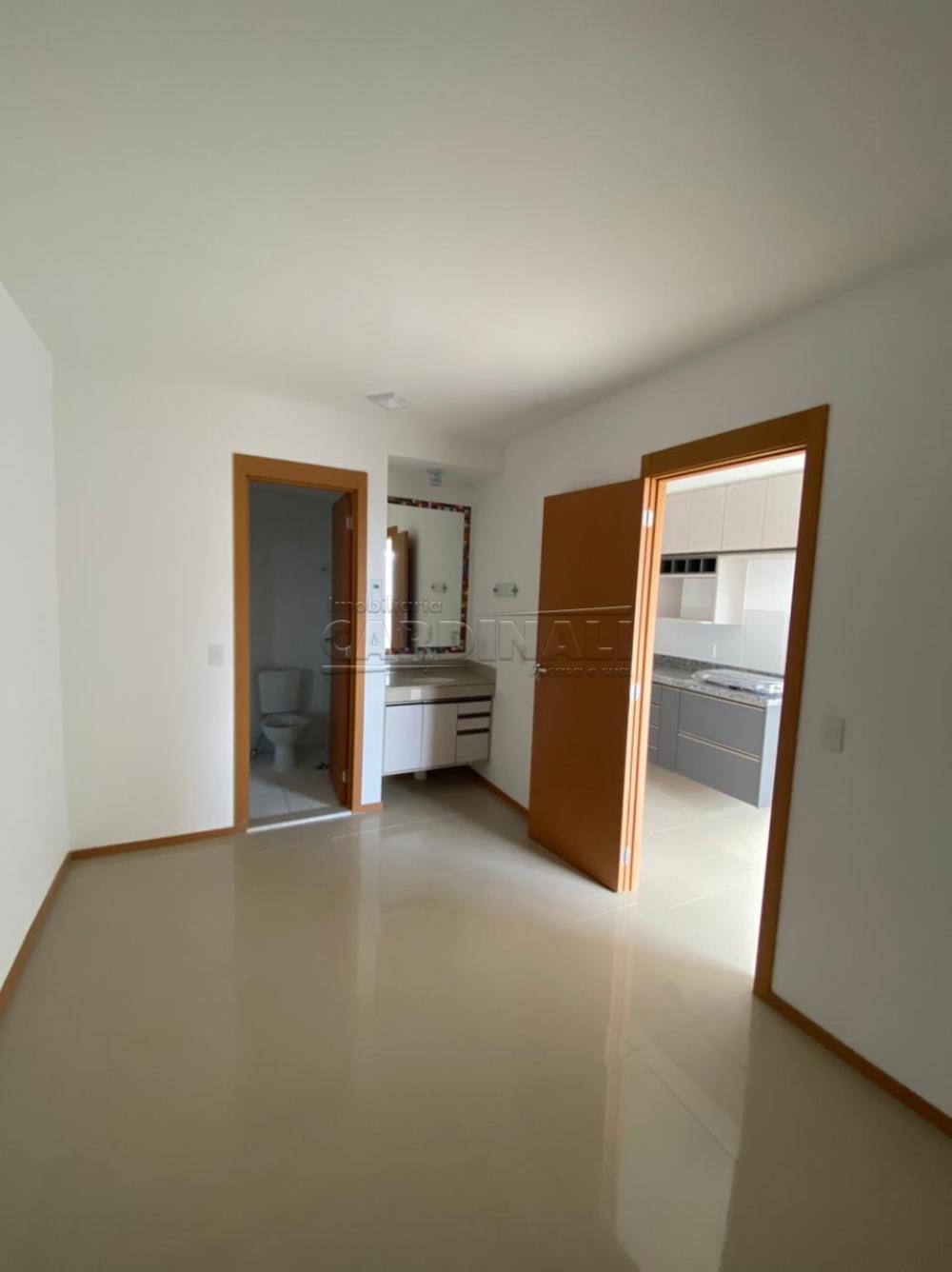 Alugar Apartamento / Padrão em São Carlos R$ 1.250,00 - Foto 5
