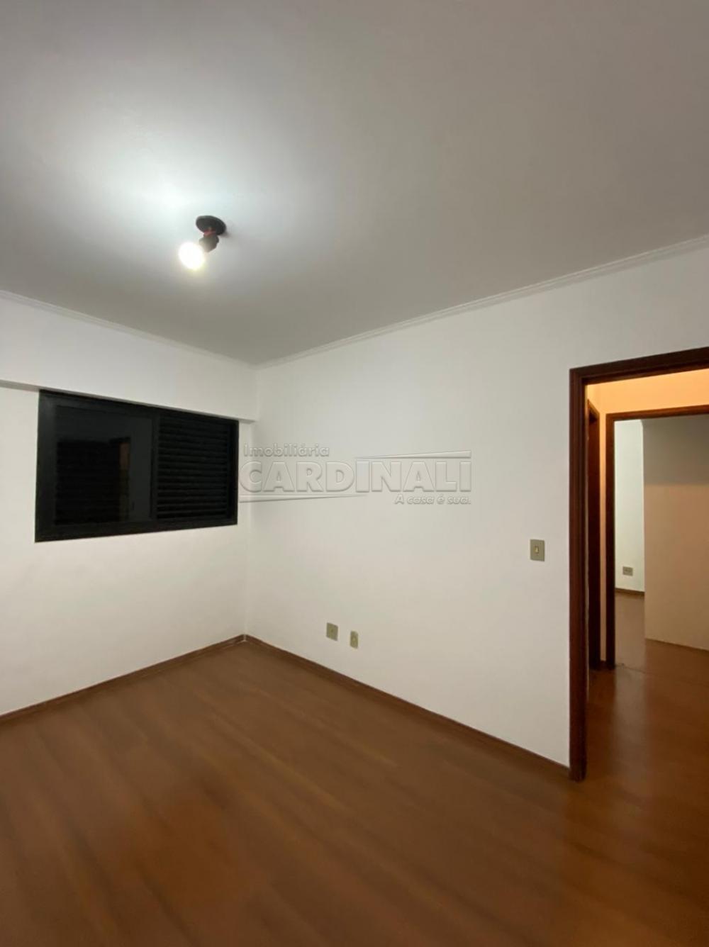 Alugar Apartamento / Padrão em São Carlos R$ 1.112,00 - Foto 2