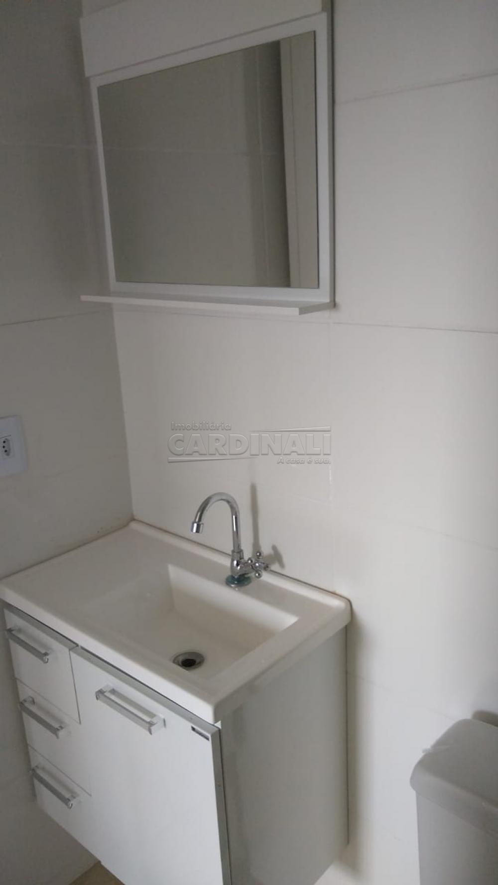 Alugar Apartamento / Padrão em São Carlos R$ 1.000,00 - Foto 6