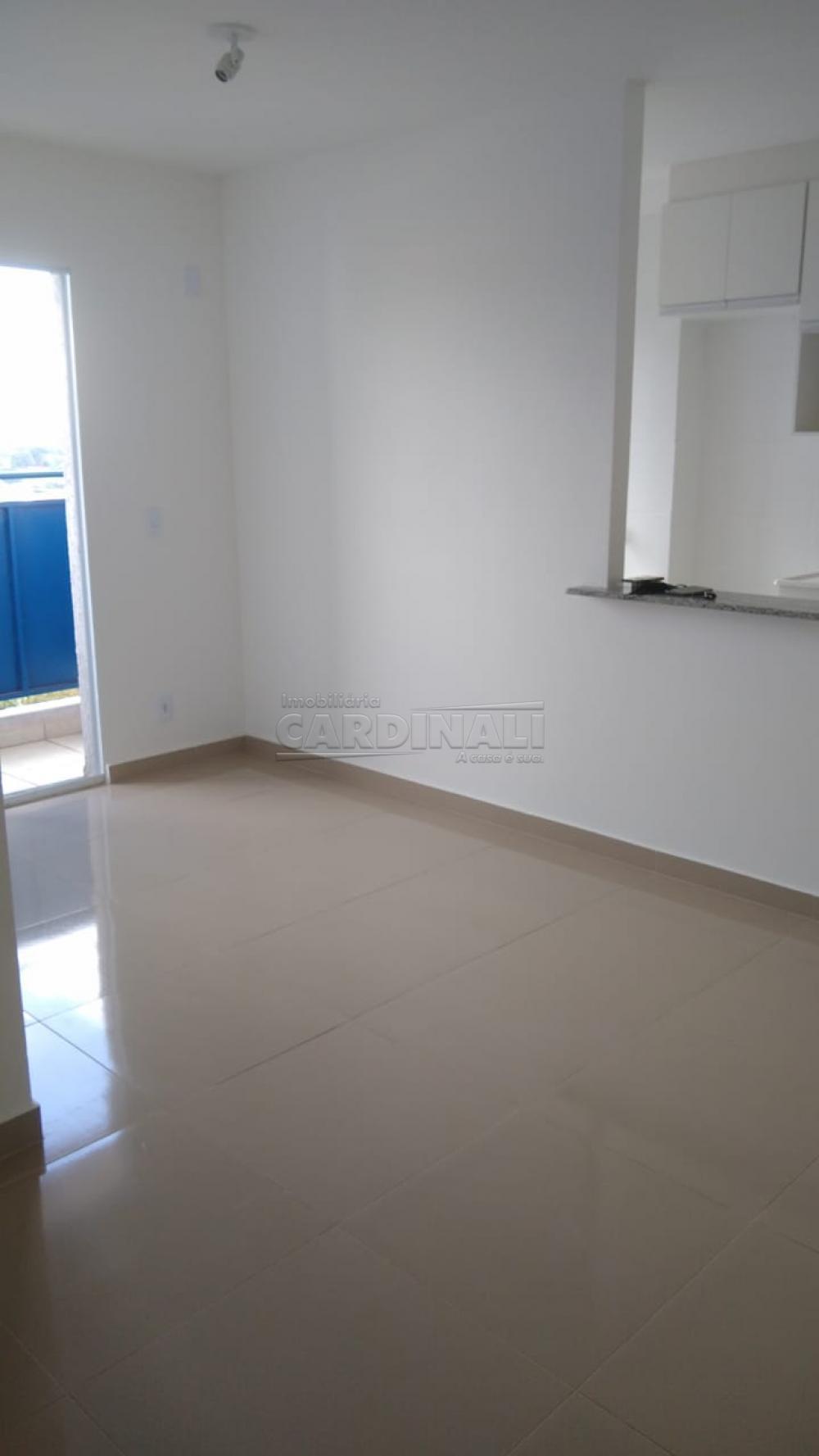 Alugar Apartamento / Padrão em São Carlos R$ 1.000,00 - Foto 9