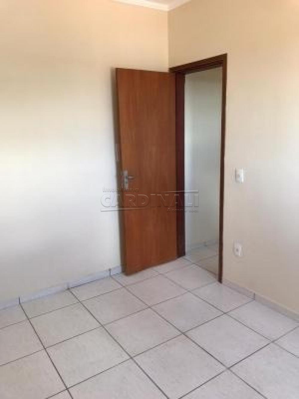 Alugar Apartamento / Padrão em São Carlos R$ 1.000,00 - Foto 8
