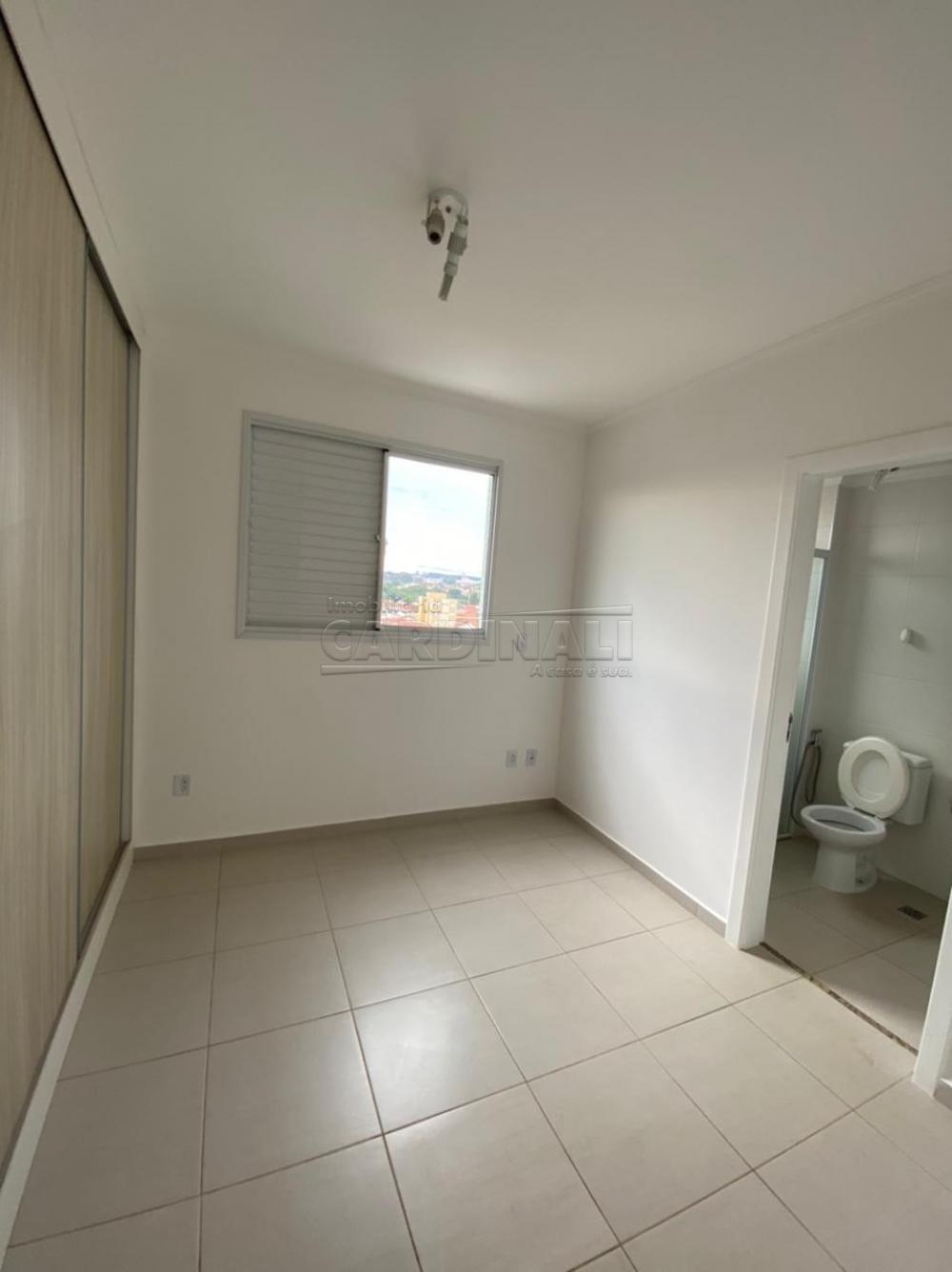 Alugar Apartamento / Padrão em São Carlos R$ 1.700,00 - Foto 3