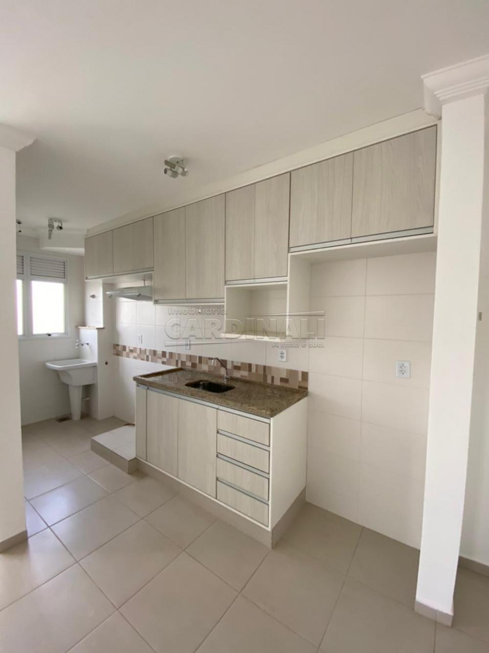 Alugar Apartamento / Padrão em São Carlos R$ 1.700,00 - Foto 9