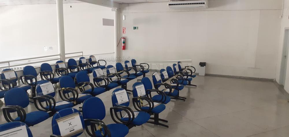 Alugar Comercial / Salão em São Carlos R$ 8.890,00 - Foto 6