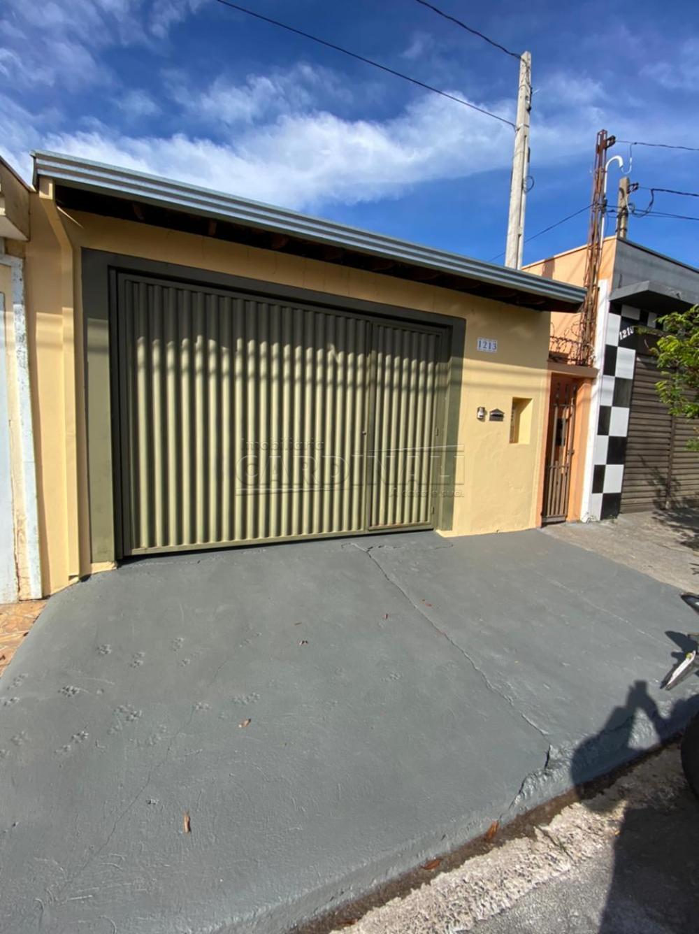 Alugar Casa / Padrão em São Carlos R$ 1.112,00 - Foto 1
