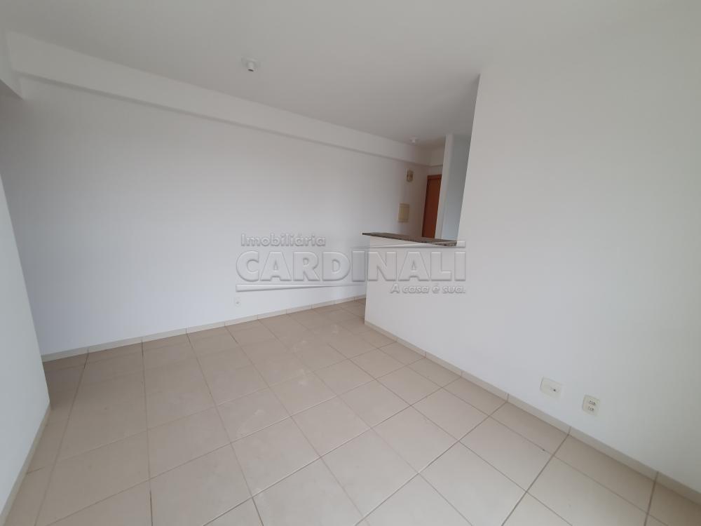 Alugar Apartamento / Padrão em São Carlos R$ 1.000,00 - Foto 4
