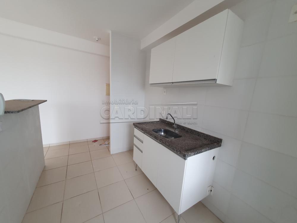 Alugar Apartamento / Padrão em São Carlos R$ 1.000,00 - Foto 7