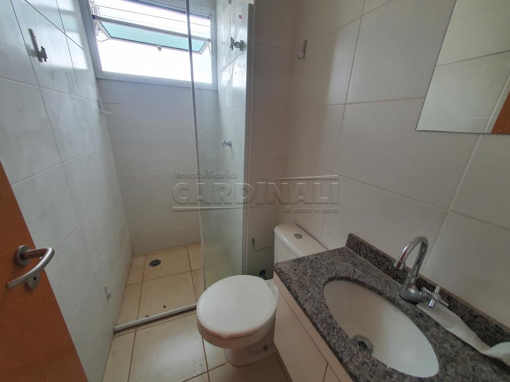 Alugar Apartamento / Padrão em São Carlos R$ 1.000,00 - Foto 11