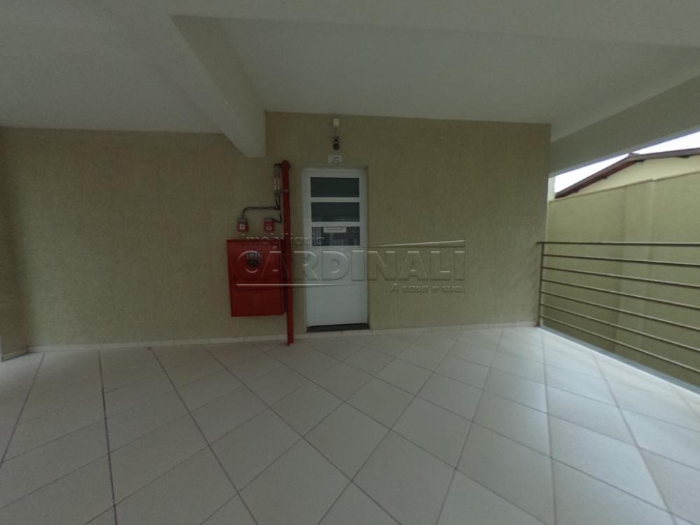 Alugar Apartamento / Padrão em São Carlos R$ 745,00 - Foto 2