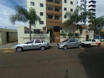 Alugar Apartamento / Padrão em São Carlos. apenas R$ 1.269,65