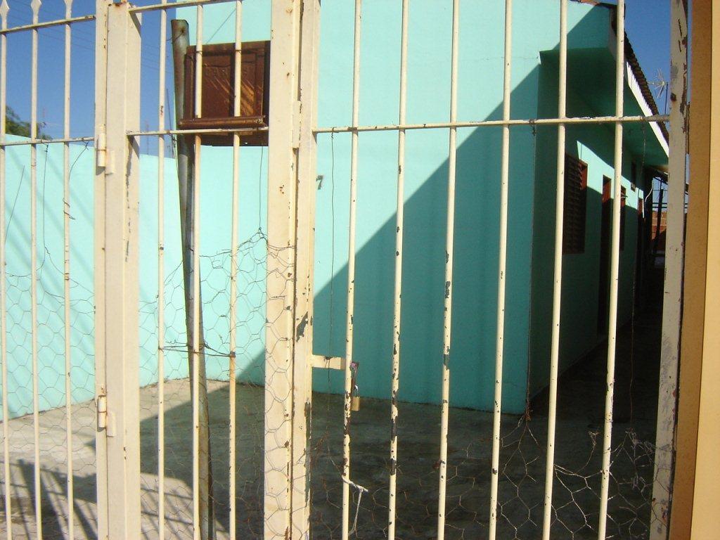 Alugar Casa / Padrão em São Carlos. apenas R$ 400.000,00