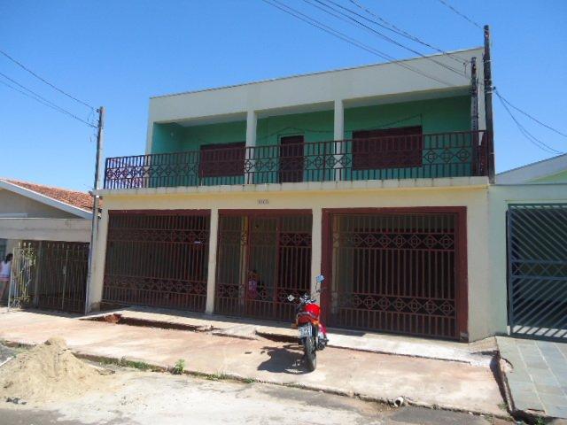 Alugar Casa / Padrão em São Carlos. apenas R$ 320.000,00