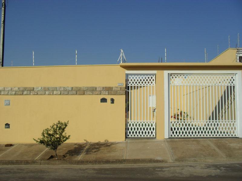 Alugar Casa / Padrão em São Carlos. apenas R$ 868,68